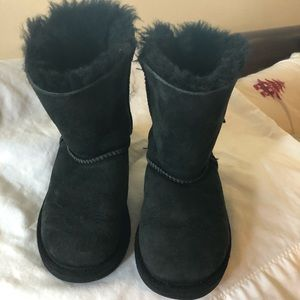 Little girls UGGs size 11 in good Condition